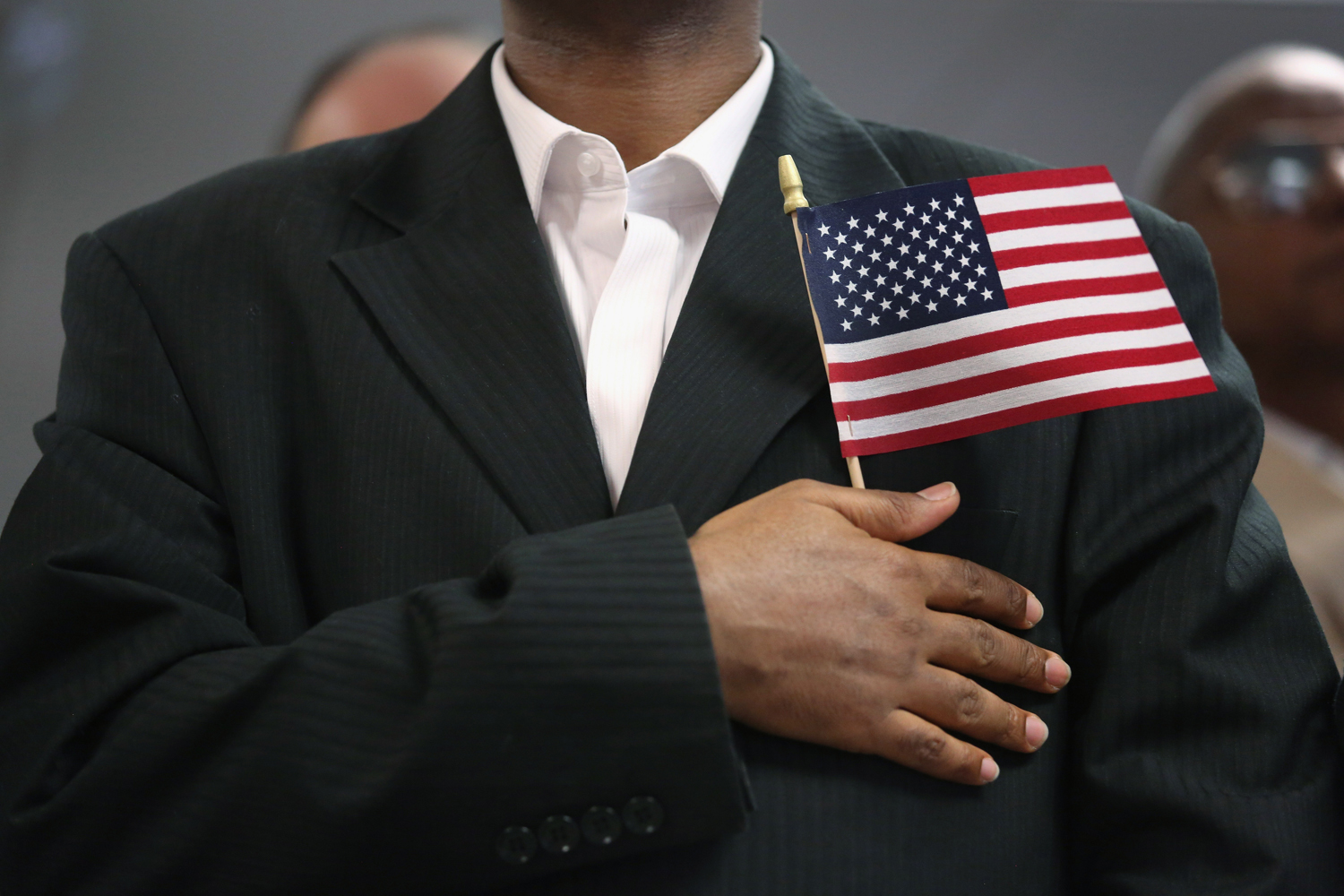 Image: Immigrants sworn in