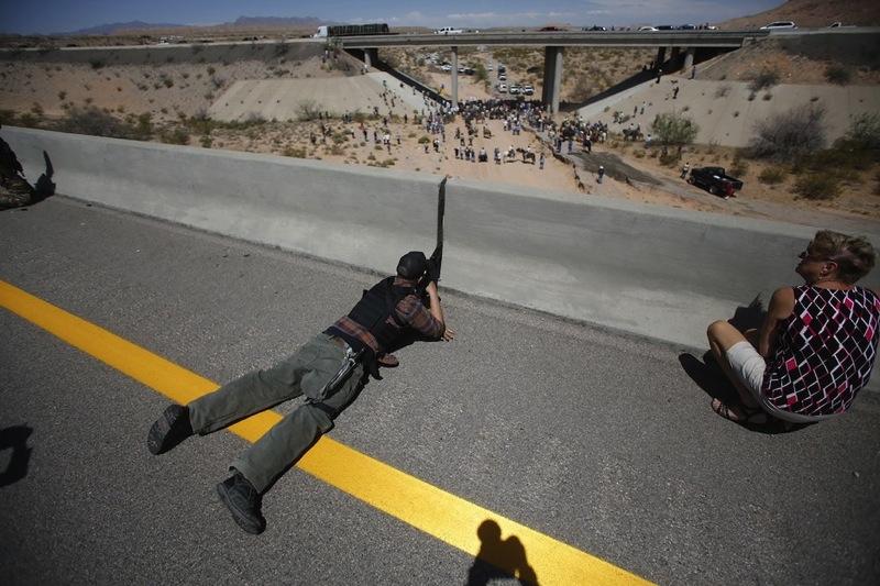 Cliven bundy supporter sniper bridge